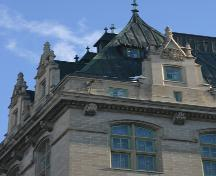 Roof detail of the Fort Garry Hotel, Winnipeg, 2006; Historic Resources Branch, Manitoba Culture, Heritage and Tourism, 2006