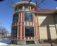 South-east corner tower, George Wright House, Halifax, Nova Scotia, 2007. ; Heritage Division, NS Dept. of Tourism, Culture and Heritage, 2007.