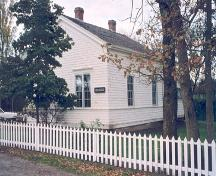 Exterior view of Dodd House, 2004; District of Saanich, 2004