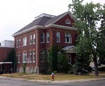 This building was built with a grant from the Carnegie Foundation, associated with Andrew Carnegie.; Alina Rida Rashid, Niagara Falls Public Library Digital Collection, 2005.