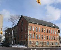 View of the original 1879 four-storey building, 2007.; Lindsay Benjamin, 2007.