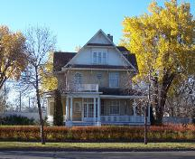 Main elevation of the McKenzie House, Brandon 2004; Historic Resources Branch, Manitoba Culture, Heritage, Tourism and Sport, 2005