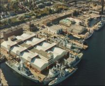 Aerial view of the Halifax Dockyard.; Canadian Navy, Department of National Defence / Marine canadienne, ministère de la Défense nationale.