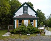 Front elevation, Britchtown School, Birchtown, 2004; Heritage Division, NS Dept. of Tourism, Culture and Heritage, 2004.