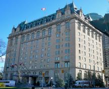 General view of Fort Garry Hotel, showing its Chateau style, evident in its steeply pitched, truncated hip roof, punctuated by multiple peaks, 2010.; Fort Garry Hotel, Adam Taves, 2010.