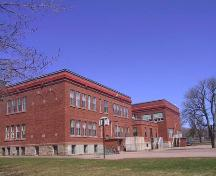 Showing east elevation; MacNaught History Centre and Archives, Donna Williams, 2003