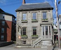 Barrington Street elevation, Henry House, Halifax, Nova Scotia, 2005.; Heritage Division, NS Dept. of Tourism, Culture and Heritage, 2005